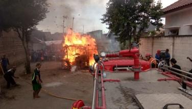 Simulasi Penanggulangan Kebakaran